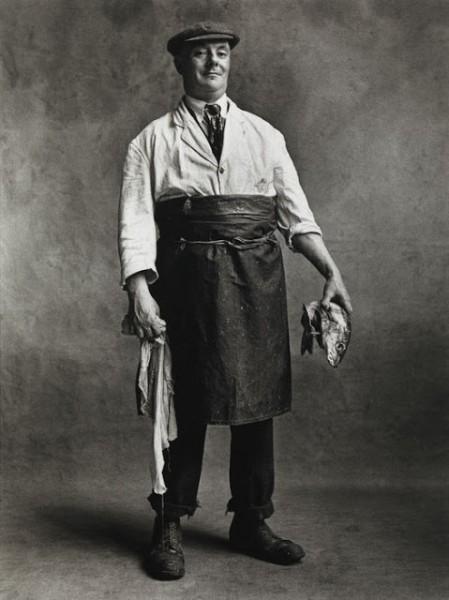 Ирвин Пенн (1917–2009). Торговец рыбой. 1950, Лондон .