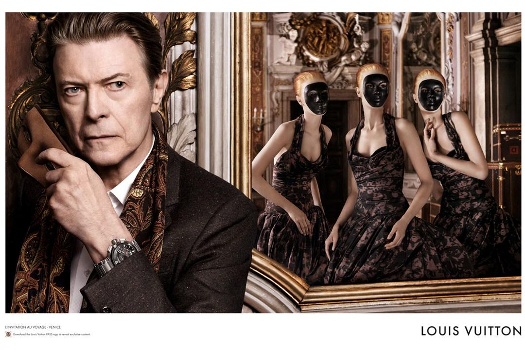 Louis-Vuitton-29-Vogue-30oct13-David-Sims_b_1080x720