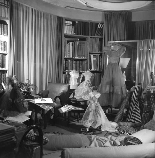 Bureau de Jeanne Lanvin, 1936 © Roger SCHALL