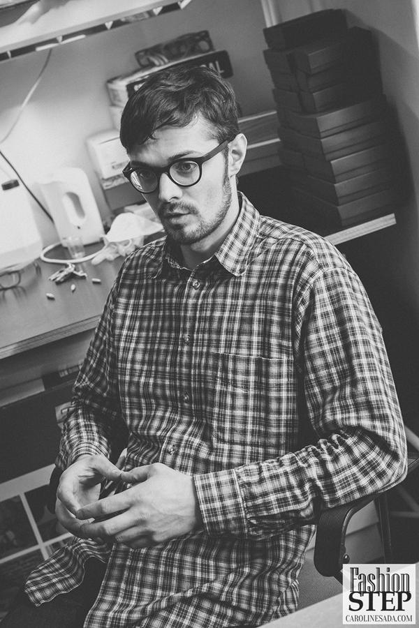 дизайнер Карл очков в деревянной оправе Эстония