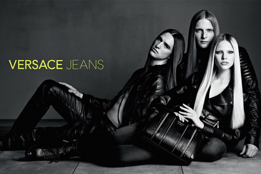 Унисекс и эстетика гранжа в кампании Versace Jeans