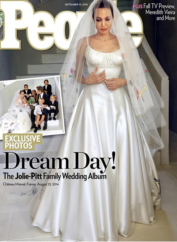 Angelina Jolie's Wedding Dress1