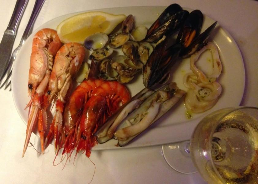 Ассорти из морепродуктов на закуску
