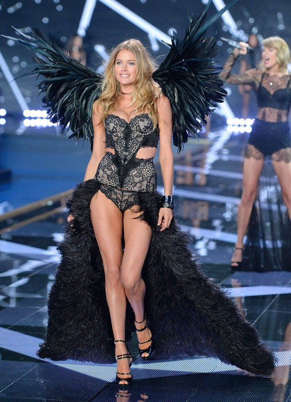 victorias-secret-fashion-show-london2