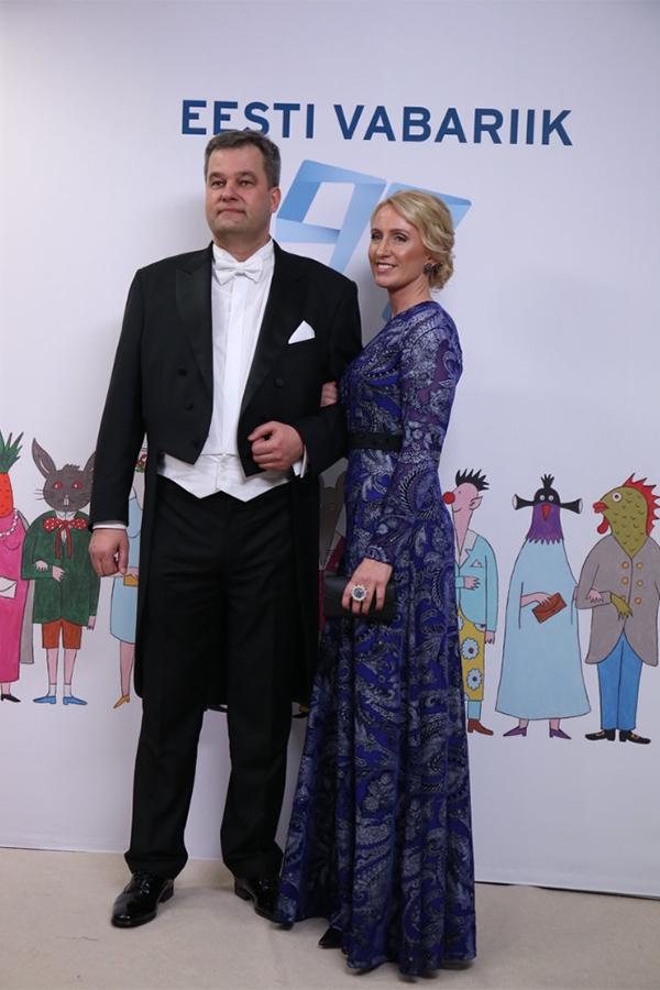 2.Супруга мэра Раквере, Эвелин Питт, в платье LÄHEB с поясом ручной работы от Plum D'Or