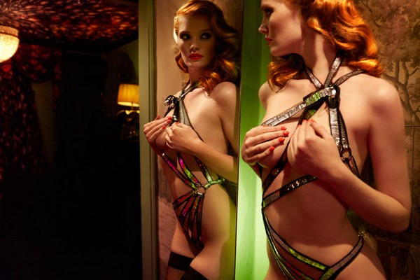 agent-provocateur-fall-winter-2015-11