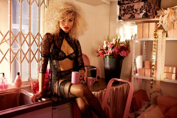 agent-provocateur-fall-winter-2015-5