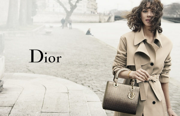 Marion_Cotilalrd_Lady_Dior_Campaign_fall_2016_2