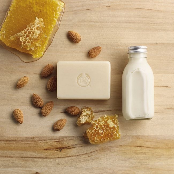 The Body Shop Almond Milk & Honey 5