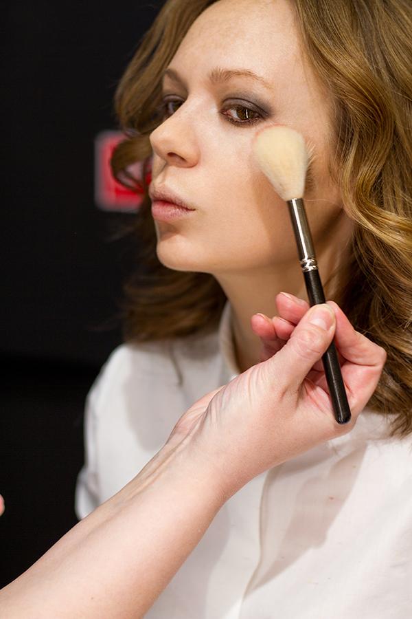 тенденции макияжа МАС весна-лето 2017 (2)