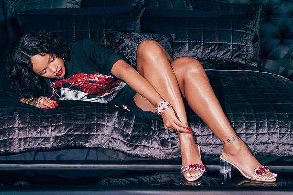 Rihanna x Manolo So Stoned 1