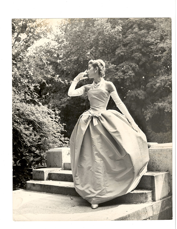 1954_Christian Dior_Photo Collection Alexandre Vassiliev_300