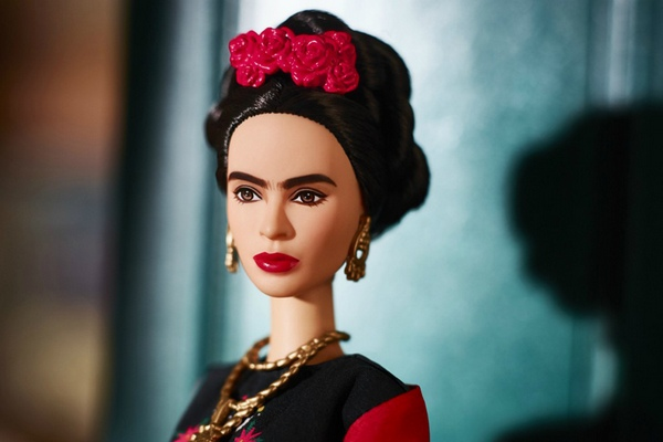 frida-kahlo-barbie-without-unibrow-3