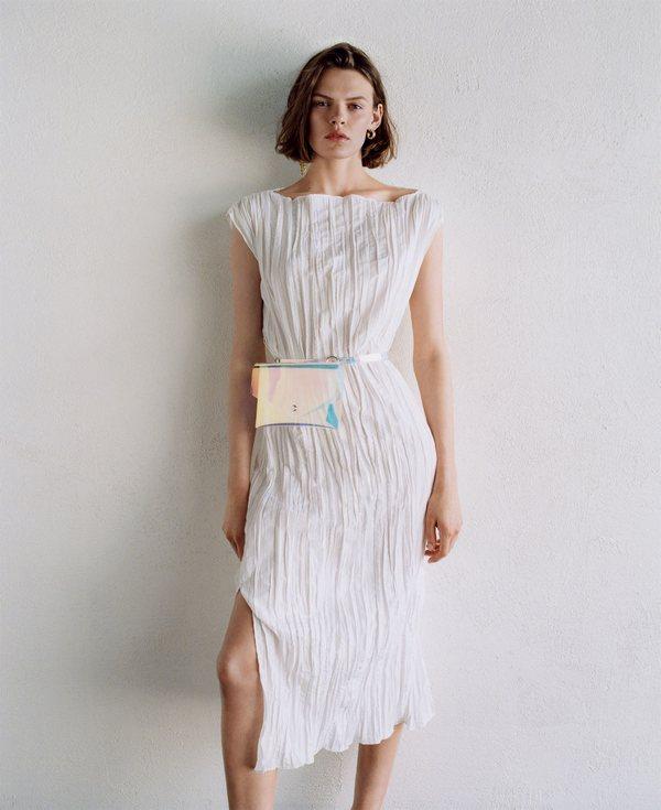 Zara Clean Lines 16