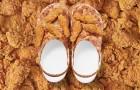 KFC и Crocs выпустили сабо с запахом жареной курочки